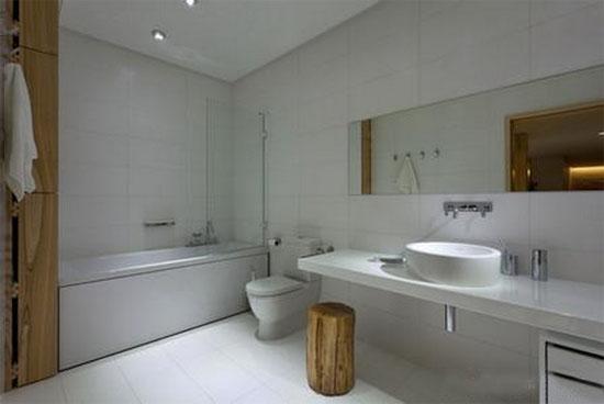 小户型现代简约家庭卫生间装修效果图