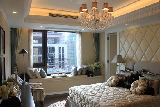2015欧式主卧室飘窗装修效果图