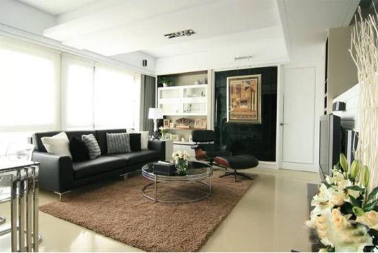 到了冬天晚上,家里人坐在客厅聊天看电视也不会觉得冷,客厅窗台