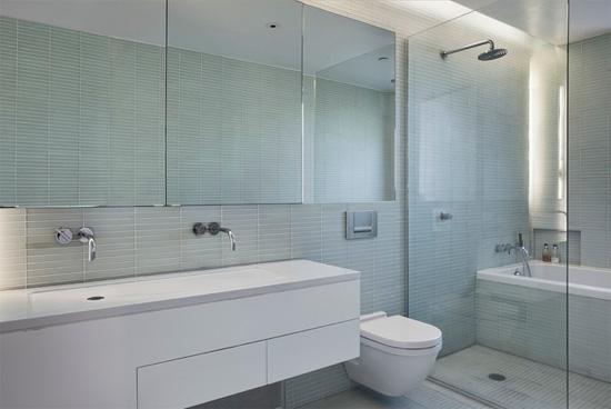 卫生间玻璃隔断墙装修效果图