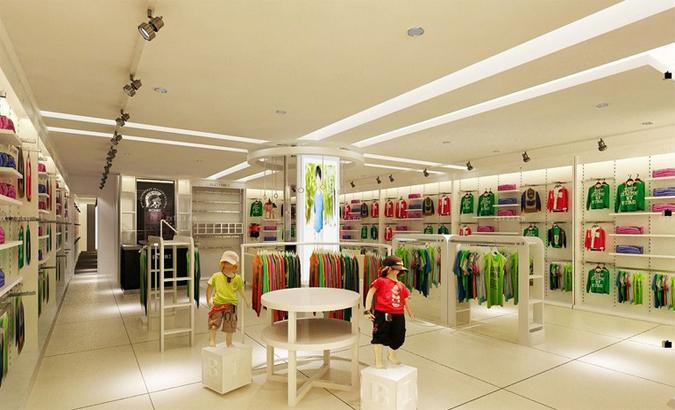 时尚女装店的布置要突出本身的特点,在外观上直接反映出经营特色,以引起客人的注意。时尚女装店不能过分追求新、洋、豪华的格局,既要反映风格特点,又要使客人感到可以接触,而不是可望而不可及,以吸引和留住更多的客人。 太原雅辉装修公司的设计师会根据您家女装店的具体情况来设计合适的风格,第一印象就吸引客户前来选购!